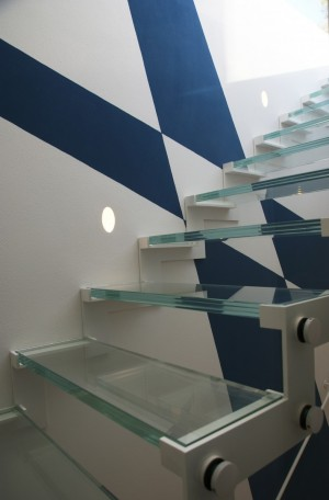 Steps, Interior and exterior Railings in glass for Home Civil
