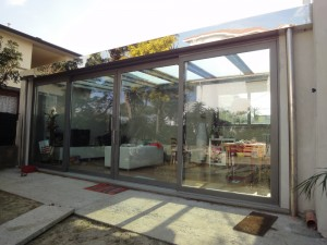 Glass for covering and fixtures to thermal cut for porch Outdoor