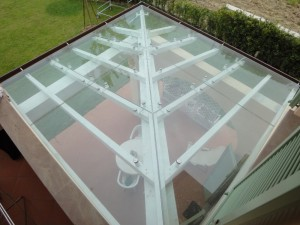 Glass cover with wooden substructure